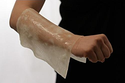 how to clean a burn wound at home
